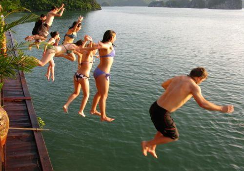 Halong Bay Swimming-Elizabeth Cruise